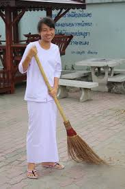 Thai cleaning lady minimum wage